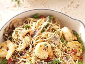 Shrimp pasta primavera